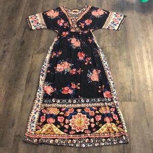 Dresses & Skirts - Flying Tomato Black Floral Maxi Dress